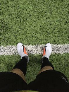Real Madrid Football, Football Stuff, Soccer Photography, Snapchat Streak, Neymar, Slip On, Sneakers, Hs Sports, Soccer