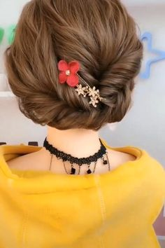 LOVE these! 😍 peinados recogidos LOVE these! Hair Up Styles, Medium Hair Styles, Easy Hairstyles For Long Hair, Up Hairstyles, Casual Updos For Long Hair, Long Hair Video, Hair Videos, Hair Designs, Hair Hacks