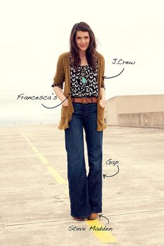 Wide leg jeans, long cardi, patterned tank, pendant necklace