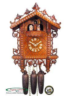 Kuckucksuhr aus dem Schwarzwald mit Echtheitszertifikat. Bahnhäusle-Kuckucksuhr mit 8-Tages-Uhrwerk von der Kuckucksuhren-Manufaktur August Schwer