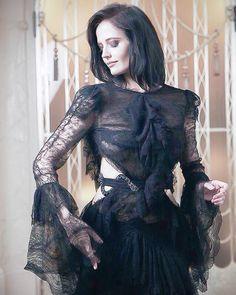 EVA GREEN IN BLACK