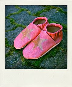 Nahkatossut / leather slippers Leather Slippers, Baby Shoes, Clothes, Fashion, Leather Flip Flops, Outfits, Moda, Clothing, Fashion Styles