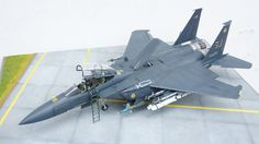 1:32 F-15E Strike Eagle