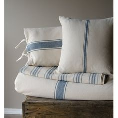 Grain Sack Blue Stripe Queen Coverlet Grain Sack Blue Stripe Queen Coverlet – Piper Classics This image has get French Country Bedrooms, French Country Living Room, Blue Pillow Covers, Blue Pillows, Duvet Covers, Throw Pillows, Rideaux Design, Living Room Decor, Bedroom Decor