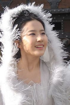 Liu Yi Fei 劉亦菲