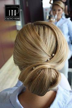 Šukuosenos Grožio Studija Ina Kaune • Kasdienis plaukų sušukavimas • kaina 15.00€ - 25.00€ • Proginė šukuosena (nuotakos,fotosesijai) • kaina nuo 25.00€.
