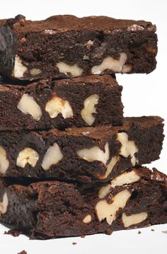 Cocoa brownies with walnuts recipe: decadent, fudgy, gooey, chocolatey, amazing.