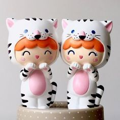{In search of kids toy tips? Momiji Doll, Kokeshi Dolls, Biscuit, Baby Sewing Projects, Vinyl Toys, Designer Toys, Hello Dolly, Anime Figures, Cold Porcelain