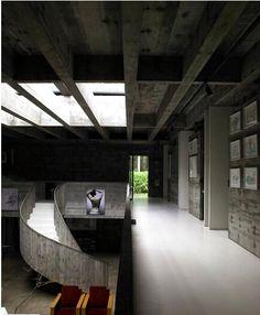 Modern Dream Homes: Leme House by Paulo Mendes da Rocha Concrete Architecture, Space Architecture, Amazing Architecture, Architecture Details, Barcelona Architecture, Casa Kaufmann, Mid-century Modern, Modern Design, Casa Patio