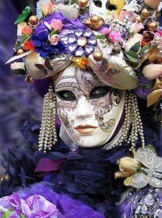 Venetian Lady (Dama di Venezia) - very refined and elegant mask, she portrays a noble Venetian beauty era Titian - very smart with intricately styled hair and hung with jewels. This lady has a few varieties: Valerie, Liberty, Fantasy, Salome etc.