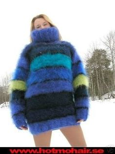 Thick Sweaters, Sweaters For Women, Gros Pull Mohair, Extreme Knitting, Red T, Mohair Sweater, New Wardrobe, Jumpers, Vests