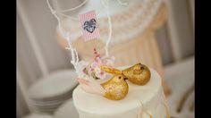 Bella torta con decoración de pajaritos