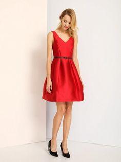 Dámske elegantné šaty s opaskom TOP SECRET - červená Belted Dress 0dcdfc960c