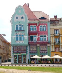 A complete guide to visiting Timisoara Romania including things to do in Timisoara, where to stay, what to eat & how to get there and away. Mall Of America, North America, Travel Abroad, Travel Europe, Budget Travel, Travel Ideas, Timisoara Romania, Visit Romania, Romania Travel