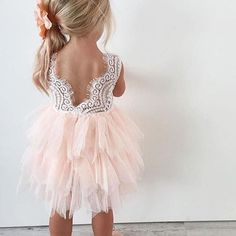 Cutest flowergirl?  Dress by @arabellaandrose  Photo by @m_i_s_s_g_s_t_y_l_e   Double tap if you like it! . . . . #weddingforward #weddingblog #weddingfashion #bridalfashion #bridalgown #veil #fashioninspo #свадебноеплатье #fashioninspo #vestido #abito #weddinggown #hautecouture #weddingdress #gownlove #gowninspo #lace #weddingday #weddings #weddingphotography #bridesmaids #weddinginspiration #bridalshower #weddingplanning #weddingphoto #instawed #bridesmaiddress #bridallook #bridalst...