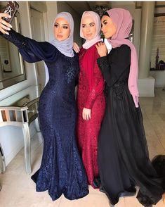 Image may contain: 3 people, people standing Iranian Women Fashion, Muslim Fashion, Hijab Fashion, Fashion Dresses, Hijab Prom Dress, Prom Dresses With Sleeves, Arab Girls Hijab, Muslim Girls, Beautiful Muslim Women