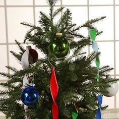 Dress your tree in these darling and festive felt Christmas ornaments.