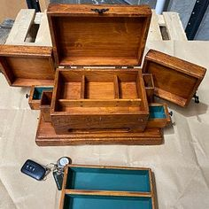 Antique Wooden Boxes, Wooden Jewelry Boxes, How To Antique Wood, Wood Boxes, Wooden Watch Box, Wood Watch, Wooden Box Designs, Jewelry Box Plans, Wood Shop Projects