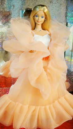 Reproduction of 1985 Peaches N' Cream Barbie | Flickr - Photo Sharing! Barbie Fior di pesco