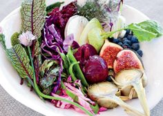 Fresh produce - don't have to do much to make this delicious and beautiful! Good Food, Yummy Food, Fun Food, Food Inspiration, Garden Inspiration, The Best, Delish, Vegan Recipes, Veggies