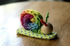 non-doing, not-rushing, or slowing down in summer -- finger-knit snail finger puppets. Spool Knitting, Knitting For Kids, Knitting Projects, Sewing Projects, Knitting Machine, Projects For Kids, Craft Projects, Crafts For Kids, Arts And Crafts