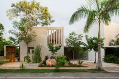 TACO sets concrete 'casa del lago' house by a lake in merida, mexico Architecture Design, Plans Architecture, Haus Am See, Contemporary Building, Parks, House And Home Magazine, Detached House, House Styles, Decoration
