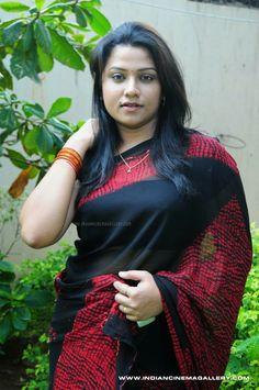 Desi Girls and Babes Beautiful Women Over 40, Beautiful Girl In India, Beautiful Asian Girls, Beautiful Saree, Indian Actress Hot Pics, Most Beautiful Indian Actress, Indian Actresses, Beauty Full Girl, Beauty Women