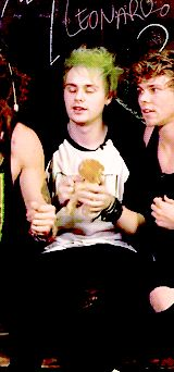 If you say you're not a Michael girl your lying and I'll hit you