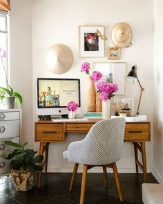 Home Office Decor. Home business office and home study style tips, which include tips for a smaller area, desk solutions, styles, and units. Make a work space at home you won't ever mind getting work carried out in. 64222132 5 Home Office Decorating Ideas Home Office Space, Home Office Design, Home Office Decor, House Design, Office Ideas, Office Designs, Office Spaces, Apartment Office, Office Inspo