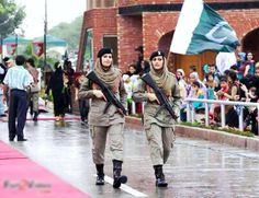 Pakistan Army women on Wagah Border, Independence Day.
