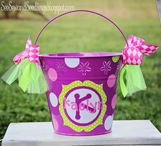 Oh Easter is right around the corner, I need some buckets, four to be exact. I love this idea.