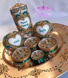 plate with tel mendhi with candles Desi Wedding Decor, Wedding Henna, Bridal Mehndi, Pakistani Mehndi Decor, Velas Diy, Henna Candles, Mehndi Party, Mehndi Night, Candle Art