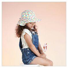 How super sweet is this Ice Cream reversible hat?  #acornkids #kidshats #hats #sunhats #instoresnow #onlinenow