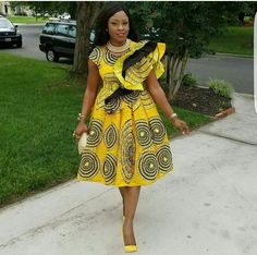 The pretty perfect ensembles created with these fabulous prints are timeless. Today, we have put together some eye-catching styles to set your mood for your next style pick. See lovely styles below African Print Dresses, African Dresses For Women, African Wear, African Attire, African Fashion Dresses, African Prints, African Women, African Tops, Ghanaian Fashion