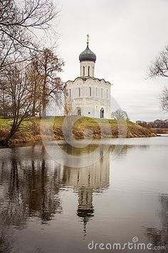 One of the most famous Russian churches with reflection.