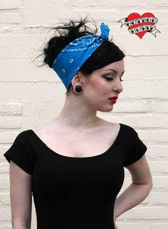 http://www.hotrodhussy.com/shop/accessoires/hair_wear/grease_rag_aqua/420