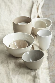 I just ordered Mud porcelain ramekins and plates for our bread service (and I can't wait to start using them!)I just ordered Mud porcelain ramekins and plates for our bread service (and I can't wait to start using them! Ceramic Pottery, Ceramic Art, Ceramic Bowls, Ceramic Table, Deco Pastel, Cerámica Ideas, Shop Ideas, Wabi Sabi, Kitchenware