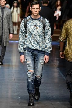 Dolce & Gabbana Fall 2015 Menswear Fashion Show Milan Men's Fashion Week, Men Fashion Show, Denim Fashion, Fashion Models, Fashion Menswear, Runway Fashion, Dolce And Gabbana Man, Well Dressed Men, Men Dress
