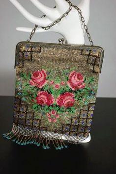 1920s pink roses design beaded evening bag