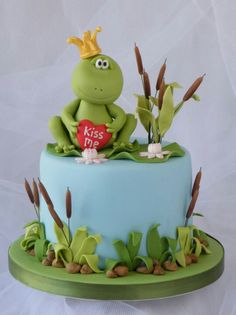 All male members of CakesDecor please ignore the paragraph below! Hi all you cake decorating princesses out there! An evil witch turned a prince into this little frog and he ended up in this pond. He is begging you to give him a kiss so that. Frog Cakes, Cupcake Cakes, Beautiful Cakes, Amazing Cakes, Decoration Patisserie, Safari Cakes, Funny Cake, Valentine Cake, Valentines