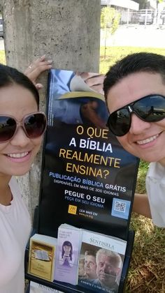 São Paulo, Brasil  - Sharing The Good News of God's Kingdom More information at JW.ORG in 316 Languages & Free Downloads in 600 languages!