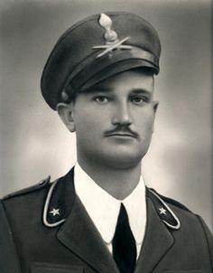 Italian soldier WW2