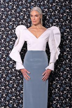 Christian Siriano Pre-Fall 2017 Fashion Show Fashion 2017, Love Fashion, Fashion News, High Fashion, Fashion Show, Fashion Outfits, Fashion Design, Christian Siriano, Evening Dresses