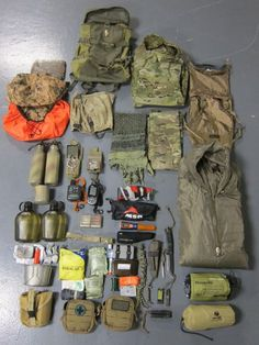 Top bushcraft skills that all wilderness fanatics will desire to learn right now. This is essentials for bushcraft survival and will definitely defend your life. Bushcraft Kit, Bushcraft Camping, Camping Survival, Outdoor Survival, Survival Prepping, Survival Gear, Survival Skills, Camping Gear, Camping Outdoors