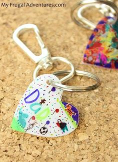 I love this idea for key chains for grandparents of the kids' artwork!