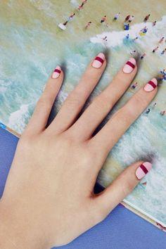 Ofiste çalışırken ara sıra tatil hayali kurmak hepimizin hakkı :)  #HandeHaluk #ulus #zorlu #zorluavm  #zorlucenter #nail #nails #nailart #nailpolish  #nailfashion #nailstagram #nailstyle #nailsdesign #beauty #inspiration