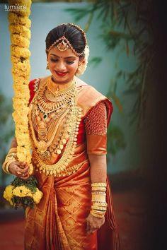 South Indian Wedding Hairstyles, Indian Wedding Wear, South Indian Weddings, South Indian Bride, Saree Wedding, Punjabi Wedding, Boho Wedding, Wedding Reception, Wedding Attire