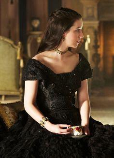 Rainha Laura viúva tomando chá com seu tio e futuro Rei.