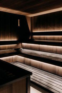 Wenn es darum geht, die eigenen Abwehrkräfte zu stärken, ist ein Saunabesuch ein heißer Tipp - und das im wahrsten Sinne des Wortes. Die Wärme sorgt dafür, dass sich die Muskeln entspannen und kann Einschlafprobleme und Kopfschmerzen lindern. Im Forsthofgut steht neben den Saunen im Adults Only waldSPA auch ein eigener Textilsaunabereich zur Verfügung. Bio Sauna, Stairs, Home Decor, Headache Relief, Steam Bath, Stairway, Decoration Home, Room Decor, Staircases