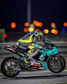 Motorcycle Suit, Motorcycle Racers, Racing Motorcycles, Motogp Valentino Rossi, Valentino Rossi 46, Bengalischer Tiger, Michael Jackson Smooth Criminal, My Champion, Vr46